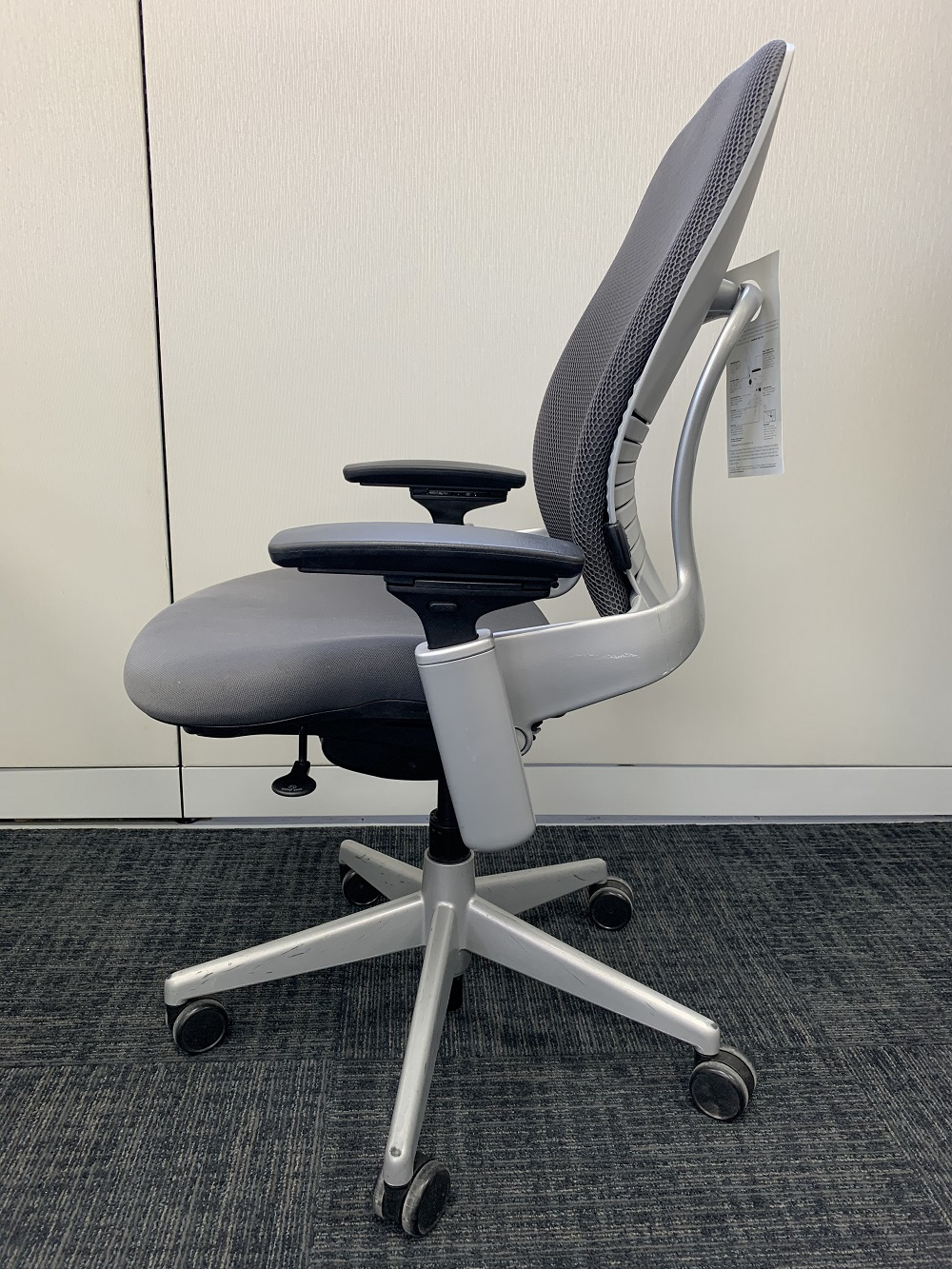 Steelcase LEAP V2 Silver Frame with Graphite 3D Knit Back